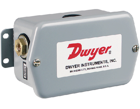 Dwyer 647 Differential Pressure Transmitter