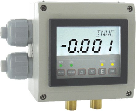 Dwyer Digihelic II Differential Pressure Controller